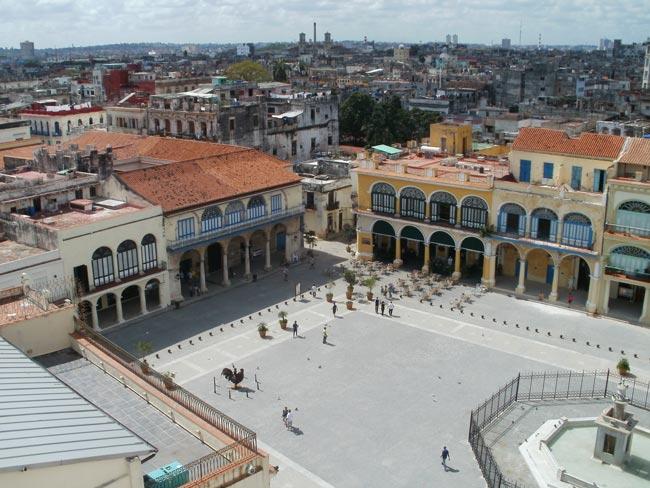 Plaza Vieja. Habana Vieja. Cuba.