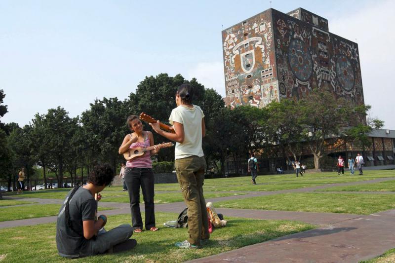 Becas-Universidad-Mexico