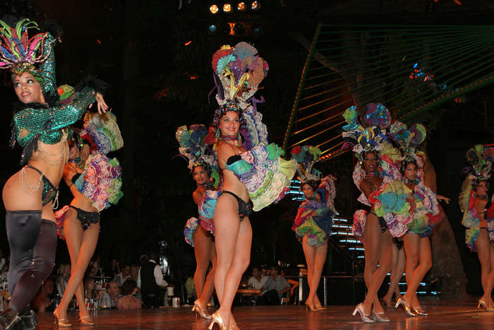 Espectáculo en Cabaret Tropicana