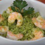 Arroz verde con camarones