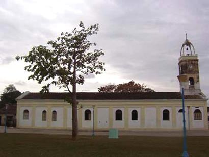 Iglesia Católica de Morón. Vista Lateral